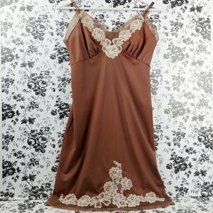 Vintage Van Raalte lace trim slip dress chemise S